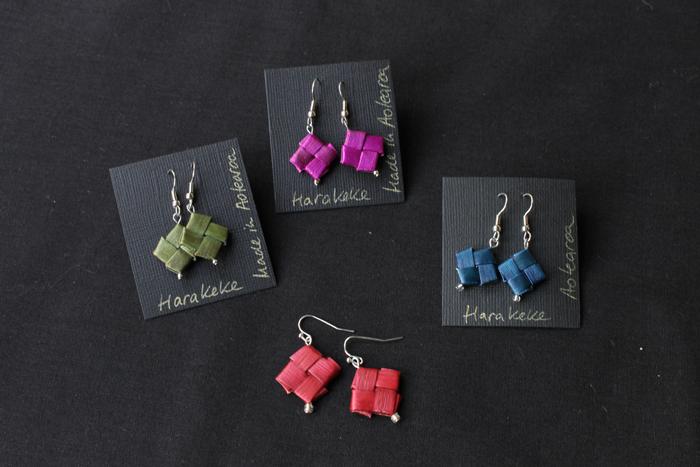 flax/harakeke earrings made by Birgit Moffatt