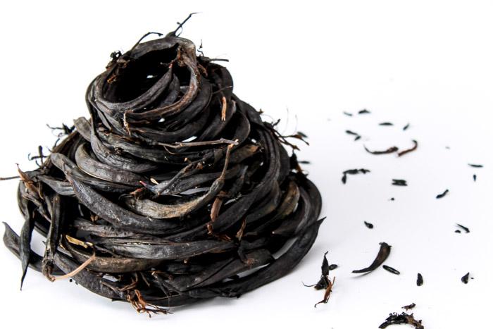 Harakeke flax seed pods sculpture by Birgit Moffatt
