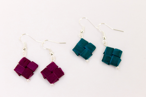 harakeke earrings by Birgit Moffatt